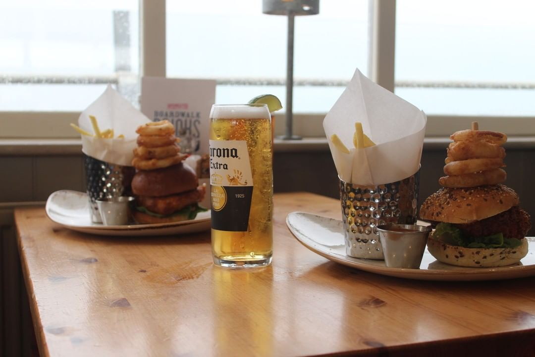 There is a brand new menu at the Boardwalk restaurant and it's delicious! What would you rather have the buttermilk chicken burger or a battered cod burger? #southwoldpier #southwold