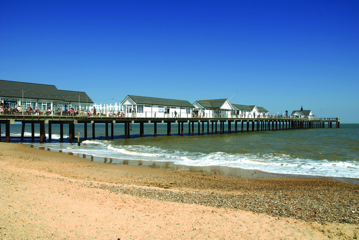 Following the latest Government guidance we will be shutting down certain enclosed areas of the Pier, but you can still take a walk and enjoy the fresh sea breeze. The Boardwalk Restaurant and Clockhouse will be offering a Takeaway Menu – watch this space!!