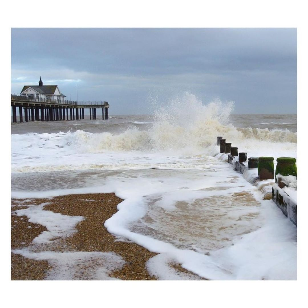 "Reposting @sammanhattan: ⠀ …⠀ ""Wild 🌊 💨⠀ .⠀ .⠀ .⠀ #chillyday #beachwalks #suffolkcoast #eastanglia #capturingbritain_coast #freezingcold #fluffyclouds #goneoutdoors #visitgreatbritain #visitengland #photosofengland #instabritain #thesuffolkcoast  #suffolklandscapes #landscapesofsuffolk #britishcoastline #gloriousbritain #moodyphotography #seascapesphotography"""