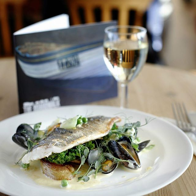 We have some fantastic lunch specials on offer this week in the Boardwalk restaurant. Just a selection of todays fresh fish dishes include Whole Plaice with samphire, crayfish and caper butter, Scottish Mackerel with tomato, red onion and rocket salad with salsa verde, or pan fried Chalk Stream Trout with lemon and almond butter! Our freshly prepared specials change daily so either pop in or reserve a table by calling us 01502 722105 ext 1. Come and enjoy lunch by the sea here in Southwold. #lunchbythesea #southwold #southwoldpier #boardwalk #restaurant #freshdailyspecials