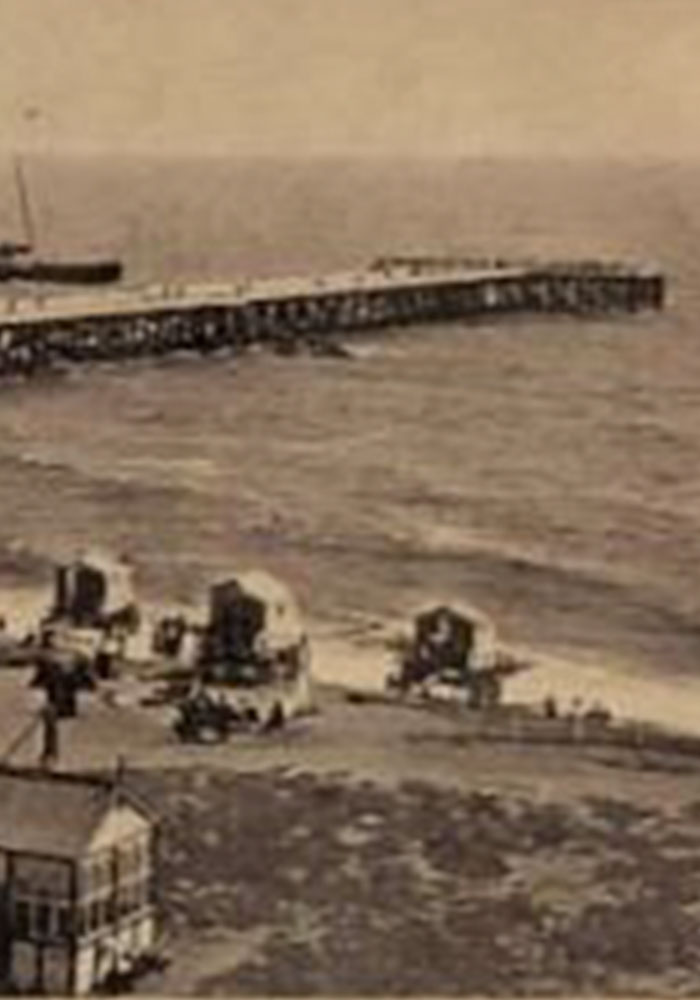Old photo of Southwold Pier