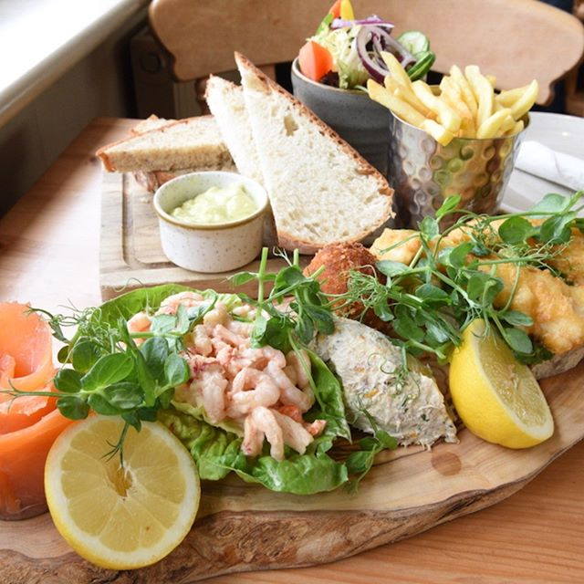Who fancies some #fish on a #Friday?  #SouthwoldPier #Suffolk #Boardwalk #EverydayNotJustFridays #FishPlatter #EatingOut #SuffolkRestaurants #SuffolkEating #SeasideFood