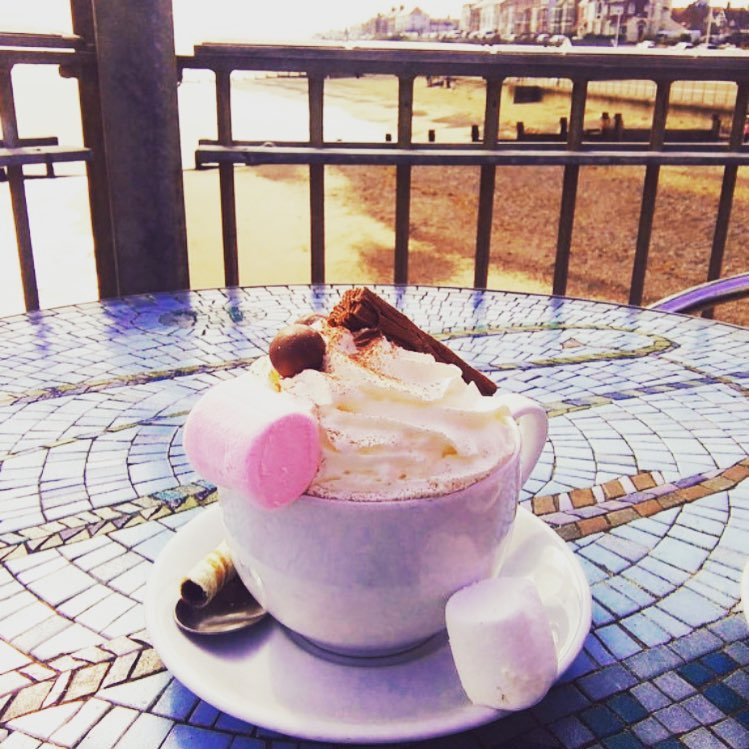 It's a little chilly today, but we have the perfect way to keep warm #hotchocolate #winter2019 #frosty #southwoldpier #yummy