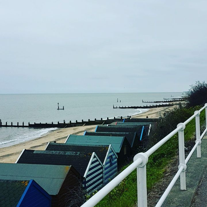 Perfect setting for a relaxing day out. 🌊 #southwold #suffolk #southwoldpier #seaside